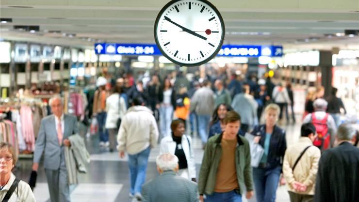 Die neue Technologie ermöglicht die Aufzeichnung der Wege von Passanten. (Symbolbild)