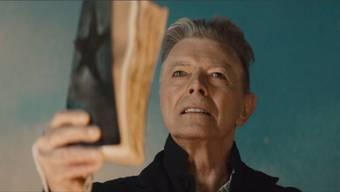 David Bowie (69) überrascht im Herbst seiner Karriere mit fantastisch-düsteren Klängen. Im neusten Videoclip beschwört er die Auferstehung eines mysteriösen Blackstars. Ho
