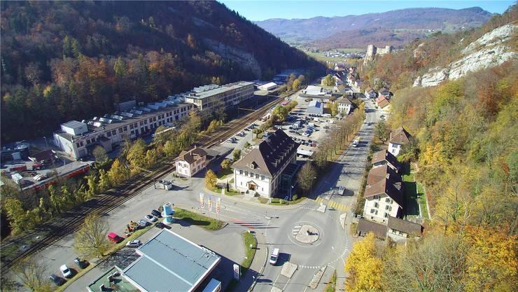 Auf dem ehemaligen Von-Roll-Areal in der Klus wird von Mitte August bis September das Freilicht-Theater «Die Schmelzi» durchgeführt, welches die Geschichte der einflussreichen Firma erzählt. Archiv