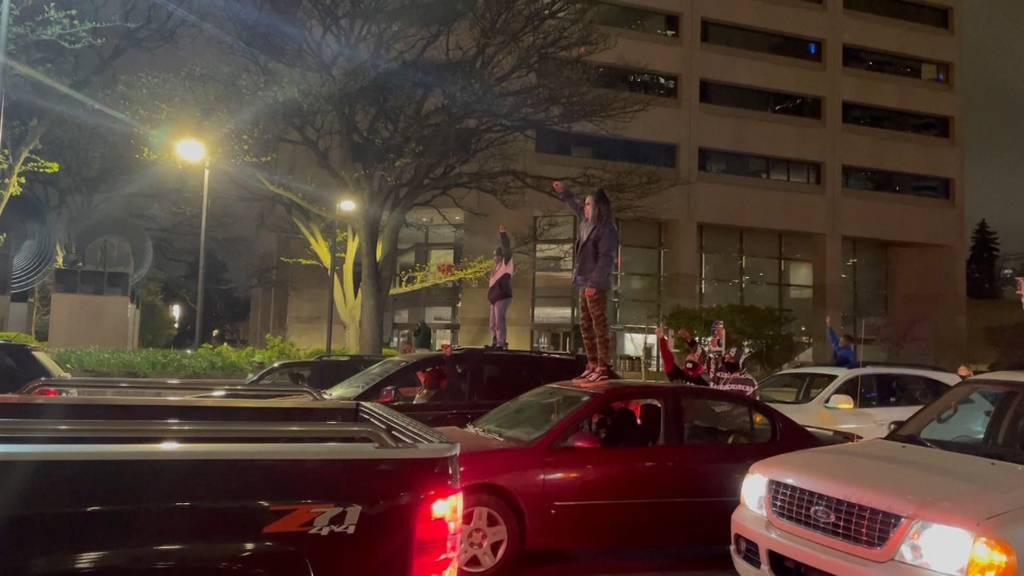 Erneut zwei Afroamerikaner durch Schüsse der Polizei getötet