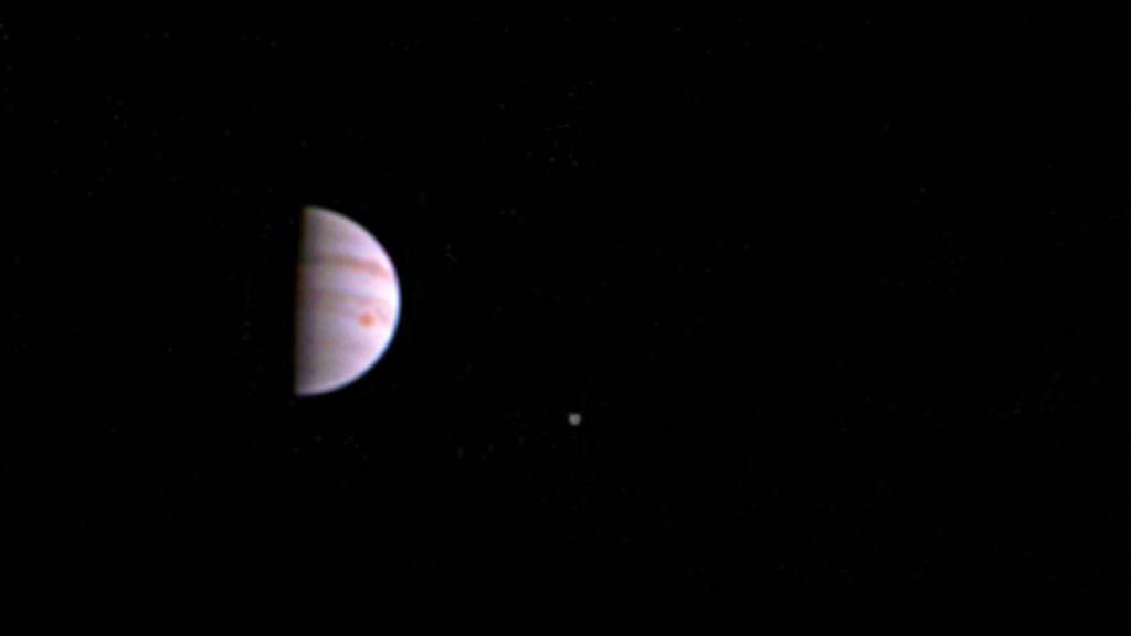 Das Jupiter-Bild war am Sonntag aufgenommen worden. Es ist das erste, das die NASA-Sonde «Juno» zurück auf die Erde schickte.