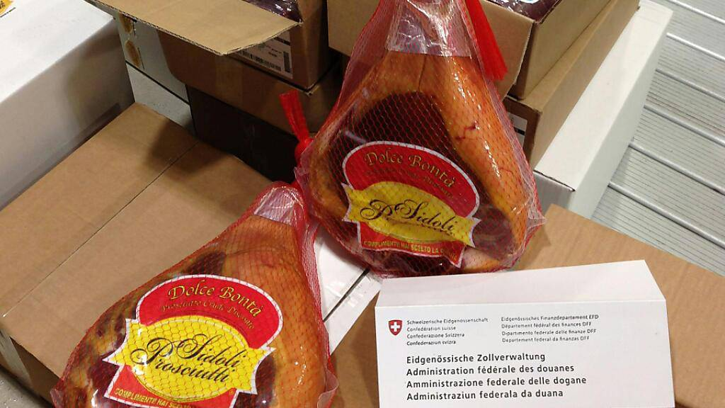 Über 30 Tonnen Fleisch und Käse soll der Hauptangeklagte über unbewachte Grenzübergänge von Italien in die Schweiz geschmuggelt haben.