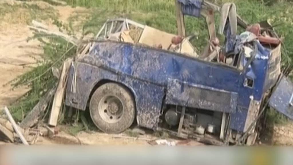 Pakistan: Mindestens 19 Tote bei Zugunfall