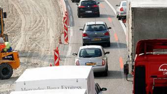 Immer öfter kommt es auf Schweizer Strassen zu Engpässen und Staus.