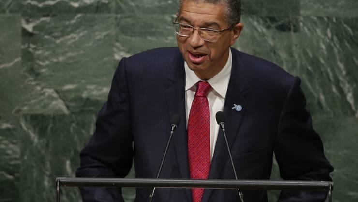 Benins Regierungschef Zinsou bei einer Rede vor der UNO-Vollversammlung im September: Er überstand unverletzt eine Helikopter-Notlandung. (Archivbild)