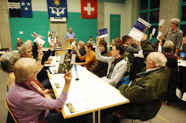 Gemeindeversammlung mit vertrautem Rahmen