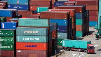 Strafzölle belasten den Welthandel und beschäftigen Gerichte.Reuters