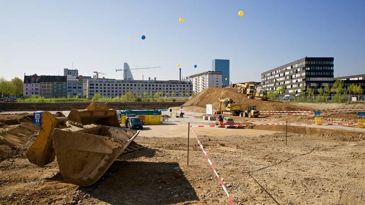 Um die Jahrtausendwende konnten sich in Basel viele noch nicht vorstellen, dass direkt an der Nordtangente ein Wohnquartier entstehen würde. Jetzt beginnt der Bau.