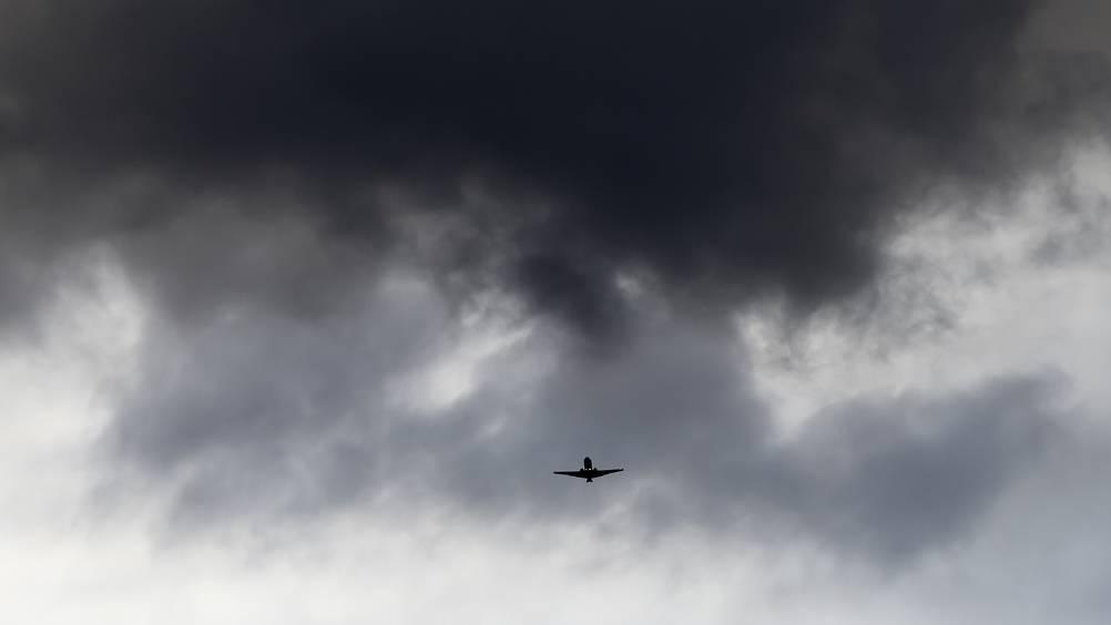 Sabine schafft harte Bedingungen für Flugzeug-Landungen