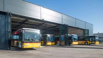 Das Bus- und Bahnangebot im Fricktal – im Bild die Postautogarage in Möhlin – ist gut.