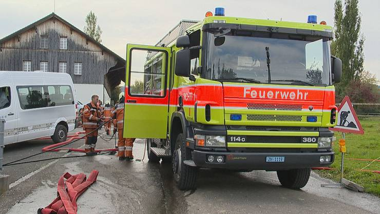In Samstagern (Gemeinde Richterswil) ist am Freitagmorgen ein Brand entstanden.