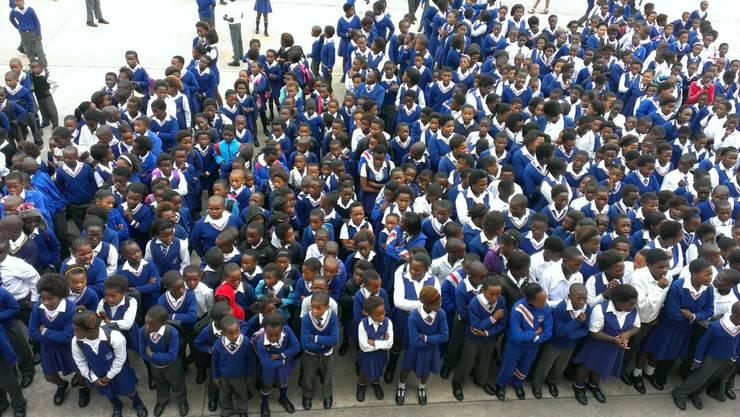 In den Townships betreut ein Lehrer gerne mal an die 70 Schüler gleichzeitig.