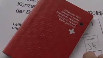 Eingebürgerte beteiligen sich seltener am politischen Prozess als gebürtige Schweizer. (Symbolbild)