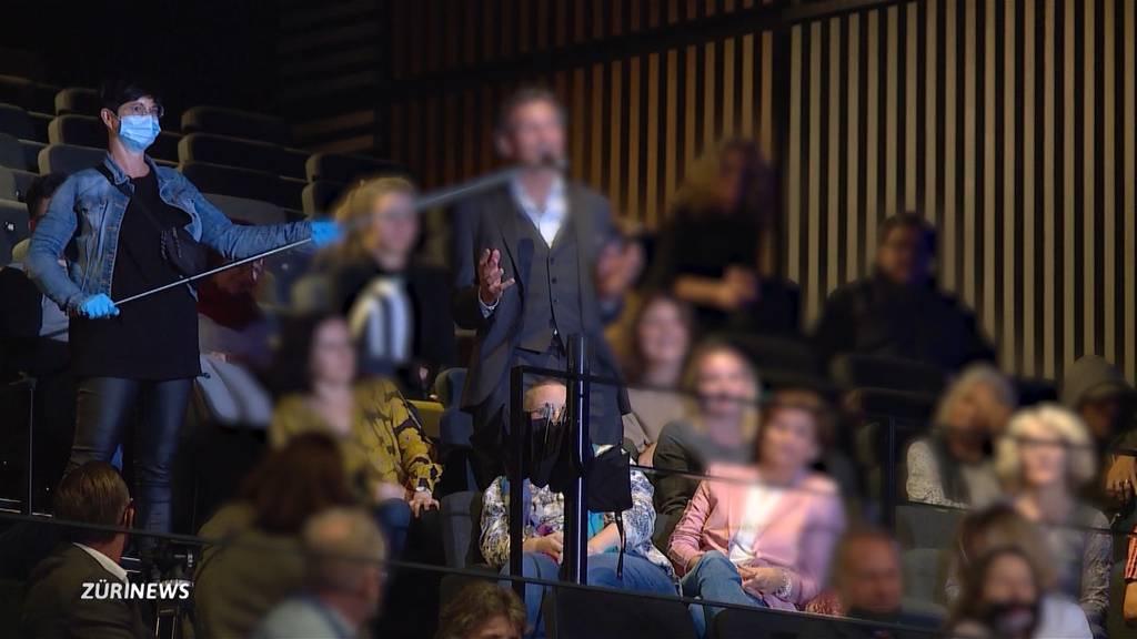 «Unerhört!»: Tumult an Premiere des Corona-Skeptiker-Films