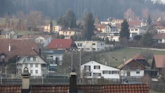 Zuzüger sorgen in der Gemeinde Lüterkofen für eine Erhöhung der Steuereinnahmen, so die Prognose.
