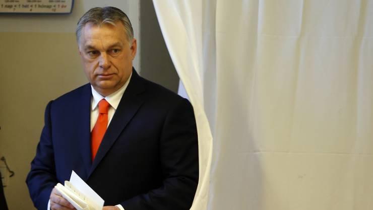 Ungarns Premierminister Viktor Orban bei der Stimmabgabe.