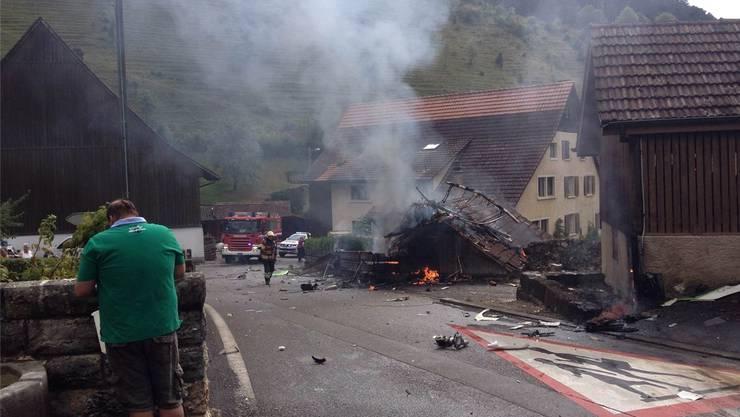 Das tragische Unglück von 2015, bei dem ein Pilot ums Leben kam, hat in Dittingen viele Ängste ausgelöst. Archiv/zvg