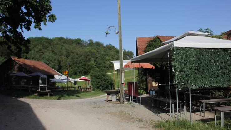 Auf der Sennhütte ob Effingen wird das Stübli als Besenbeiz betrieben.