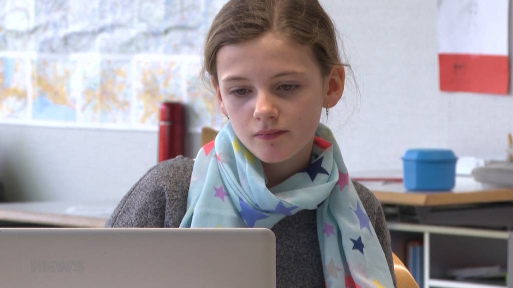 """Projekt """"Chinderzytig"""" soll Schüler die Erwachsenenwelt simpel erklären"""