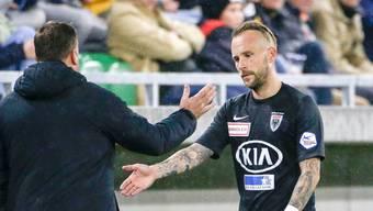 Fünf mal darf neu gewechselt werden. Ex-FCL-Spieler Markus Neumayr bei seiner Auswechslung im letzten Oktober gegen Kriens.