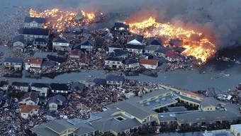 Erdbeben mit der Stärke 8,9 erschüttert Japan