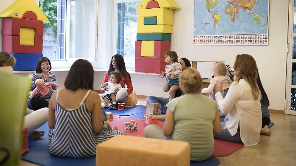 Jedes dritte dreijährige Kind in Gossau SG spricht kaum Deutsch, wie eine Studie zeigt. Spielgruppen und Kitas könnten die Kinder beim Deutschlernen unterstützen (Symbolbild).
