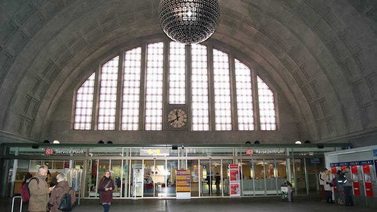 Das Reisezentrum im Badischen Bahnhof befindet sich gleich gegenüber vom Eingang. (Archiv)