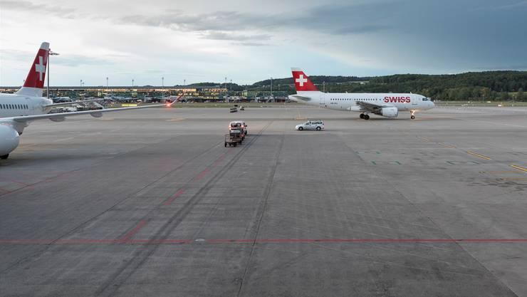 Noch immer weist fast jeder vierte Swiss-Flug ab Zürich eine Verspätung von 15 Minuten oder mehr auf. Gaetan Bally/Keystone