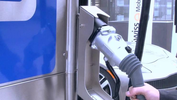 Olten soll Schnellladetankstellen für Elektrofahrzeuge erhalten. (Archiv)