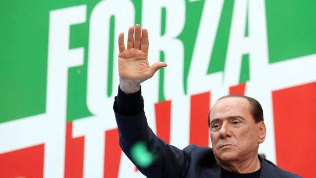 Steuersünder Silvio Berlusconi (Archiv)