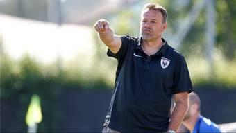 Cheftrainer Patrick Rahmen zeigt an, wo es mit dem FC Aarau in der neuen Saison hingehen soll: nach vorne. Freshfocus