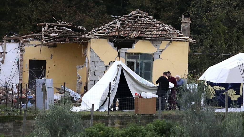 Nach dem Erdbeben in Albanien von vergangener Woche unterstützt die Humanitäre Hilfe der Direktion für Entwicklung und Zusammenarbeit (Deza) die Bevölkerung vor Ort.