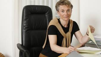 Hinterliess sie zu grosse Fussstapfen? «Bei Schuhgrösse 37 kann ich mir das nicht vorstellen», sagt Kathrin Amacker, CVP-Nationalrätin. (rahu)