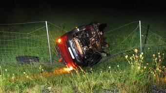 Der Lenker und die Mitfahrerin hatten Glück. Sie bekamen beim Unfall auf der A3 nur Prellungen ab.