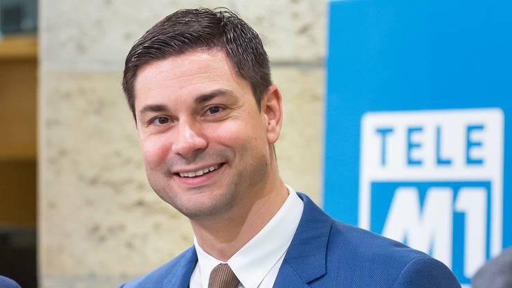 CEO und Inhaber bei Giezendanner Transport ist heute SVP-Nationalrat Benjamin Giezendanner (Bild), früher führte dessen Vater, der ehemalige SVP-Nationalrat Ulrich Giezendanner, die Firma.