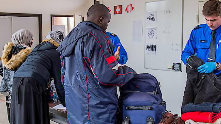 Die Asylgesuche sind im Vergleich zum Vorjahr gesunken. (Symbolbild)