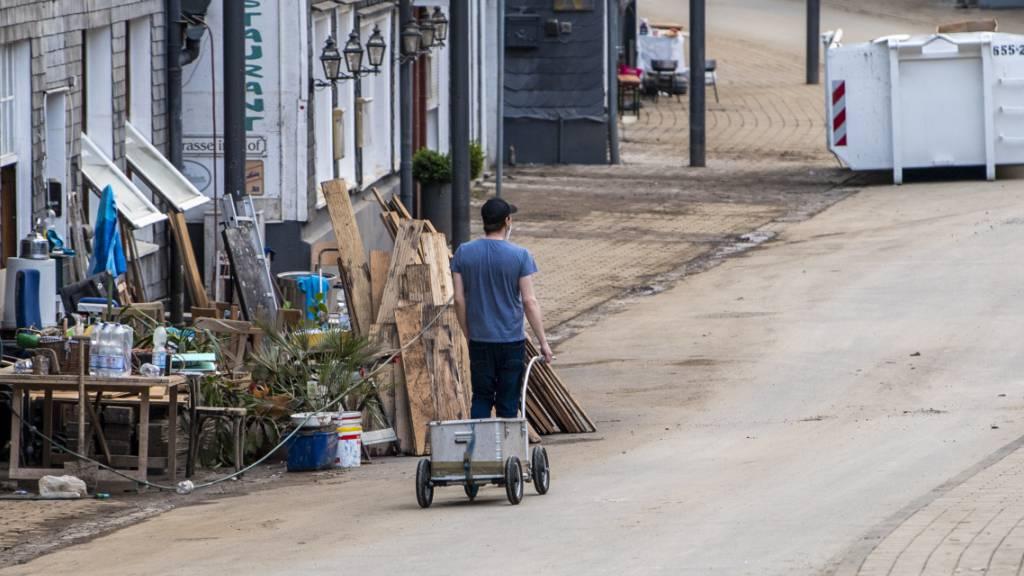 Hochwasserlage in Deutschland entspannt sich etwas – fast 160 Tote