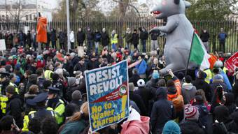 Tausende demonstrieren am Mittwoch in Dublin gegen Wassergebühren