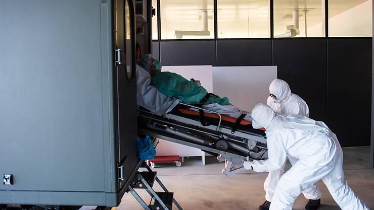 6. April: Über das Wochenende haben sich gemäss dem Kanton über 100 Menschen mit dem Coronavirus infiziert.