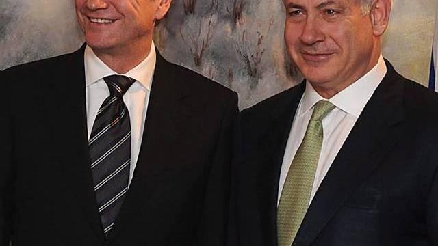 Westerwelle un Netanjahu beim Treffen in Israel