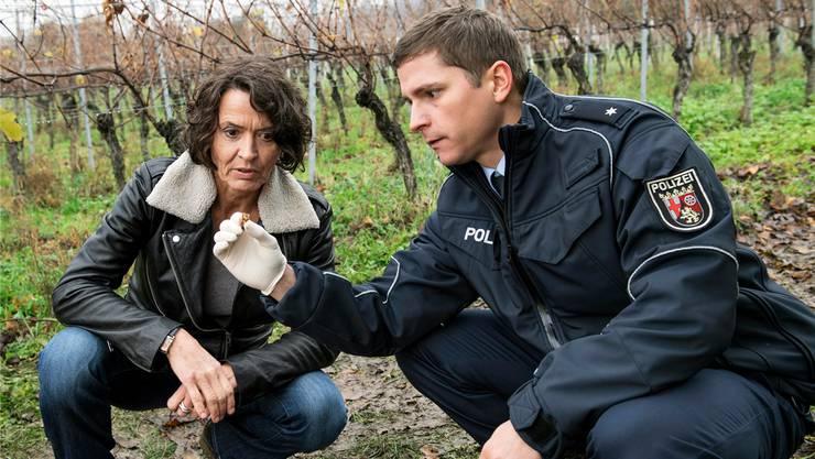 Ermittlerin Lena Odenthal (l.) soll einen Mord aufklären und einen Anschlag verhindern.
