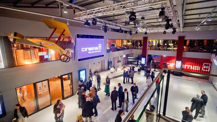 So sieht die Eingangshalle des neuen Cinema 8 aus