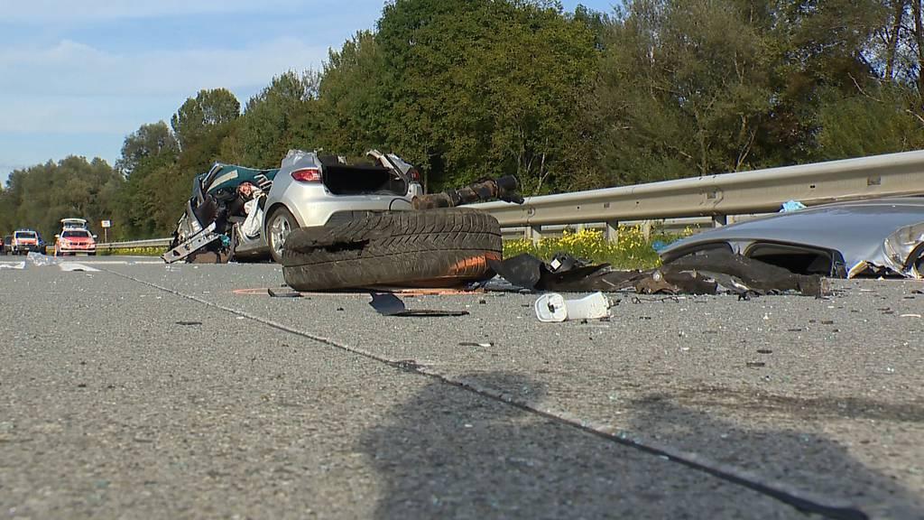 Geisterfahrer auf A13: 88-jähriger Unfallverursacher schwer verletzt