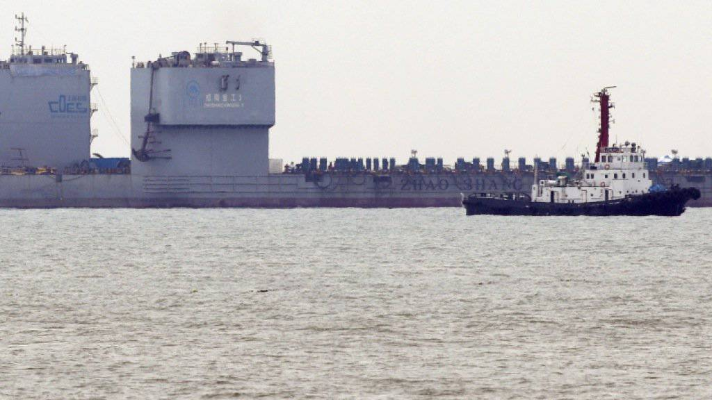Vor der Küste Jindos steht seit fast drei Jahren das «Sewol»-Wrack. Nun soll es abgeschleppt werden.