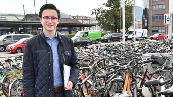 Robin Kiefer wehrt sich gegen den grassierenden Veloklau in Olten und fordert Präventivmassnahmen der Stadt.