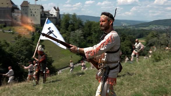 Von der Kriegserklärung bis zum sichereren Sieg: das Lenzburger Freischarenmanöver 2018 im Video