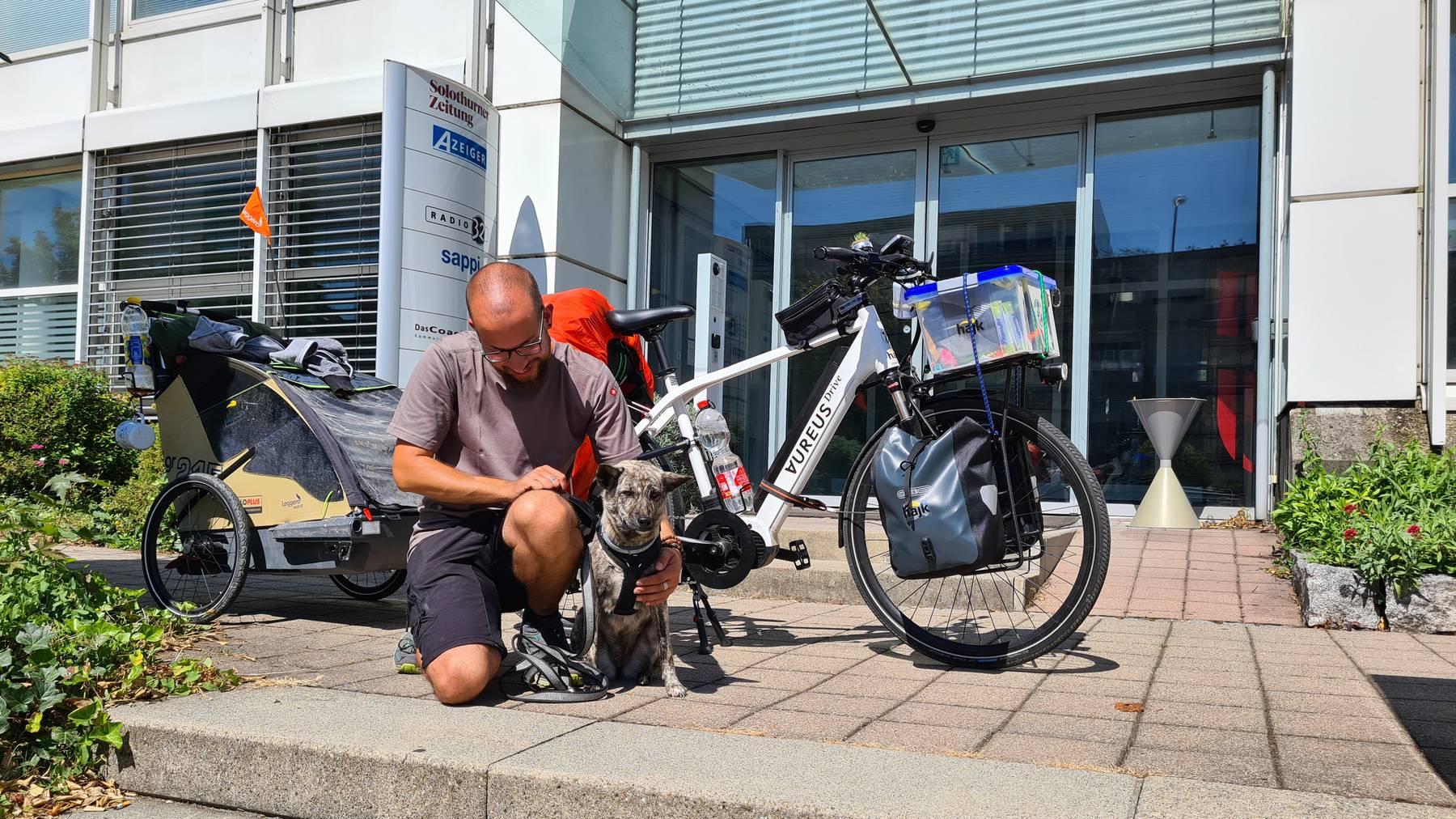 Reto Steimer mit Hündin Maja - 20 000 km für Strassenhunde