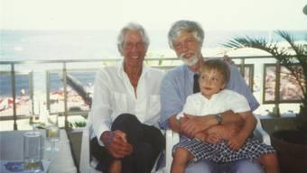 Paul Hubschmid (links) mit Sohn Peter und Enkel Paul 1997 an seinem 80. Geburtstag an der Côte d'Azur. zvg