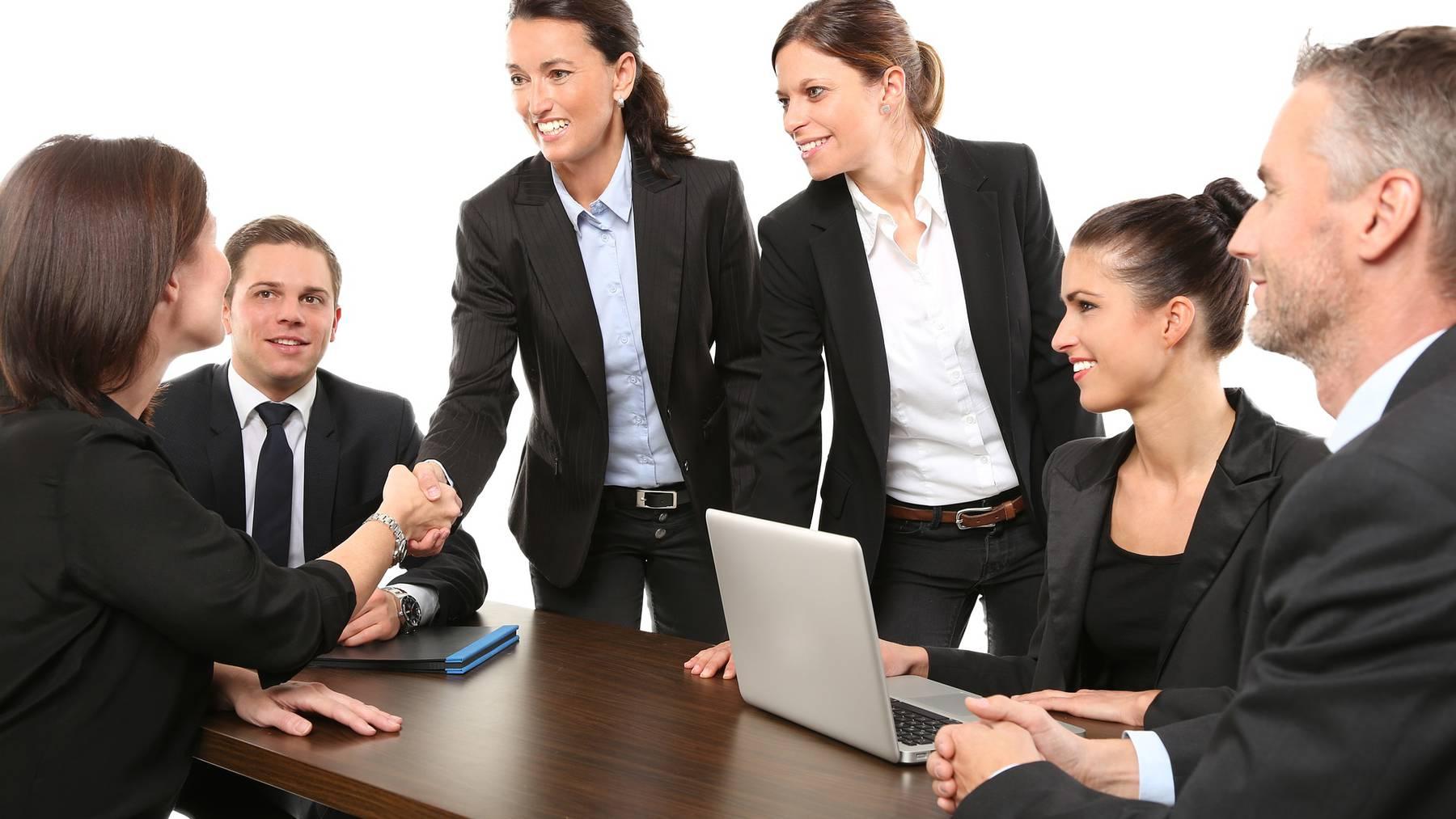 Schweizer Arbeitsmarkt wird weiblicher