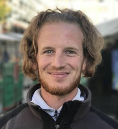 Marc Gloor, 28, aus Grenchen hat noch nicht gewählt, will dies aber noch tun. Er will Personen wählen, welche sich vor allem für die Unabhängigkeit und das Wohl der Schweiz einsetzen. Ihm ist wichtig, dass die Schweiz selber über ihr Schicksal bestimmen kann. (at)